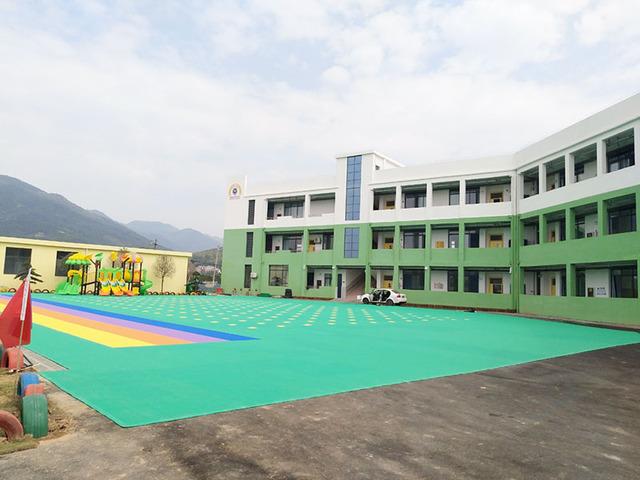 江西省萍乡市湘东区荷尧镇幼儿园悬浮地板案例