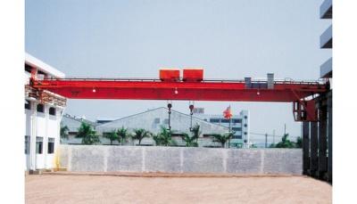 中山宏星管桩7.5+7.5-31.5m双小车吊钩桥式起重机