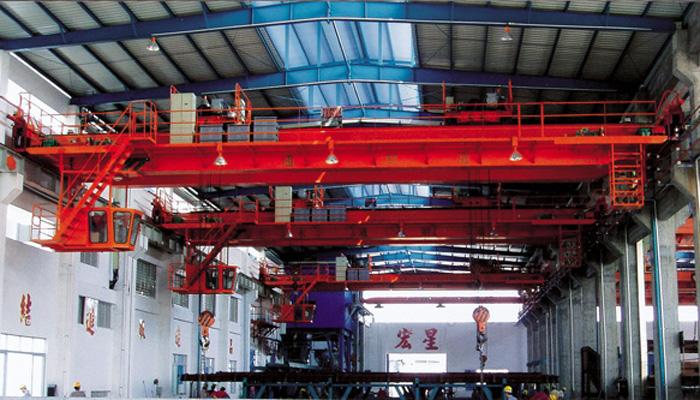 中山宏星管桩7.5+7.5、10t+10t双小车吊钩桥式起重机