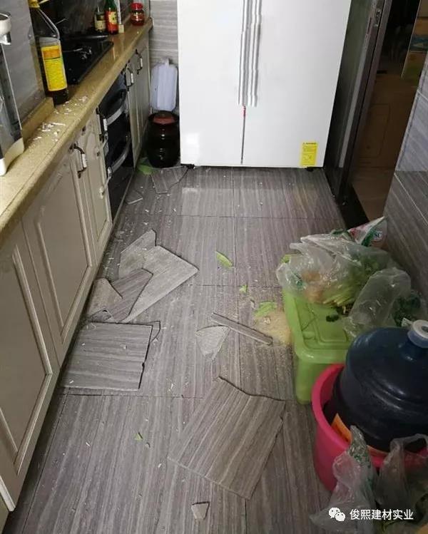 防止瓷砖空鼓脱落最好的办法就是使用瓷砖粘结剂