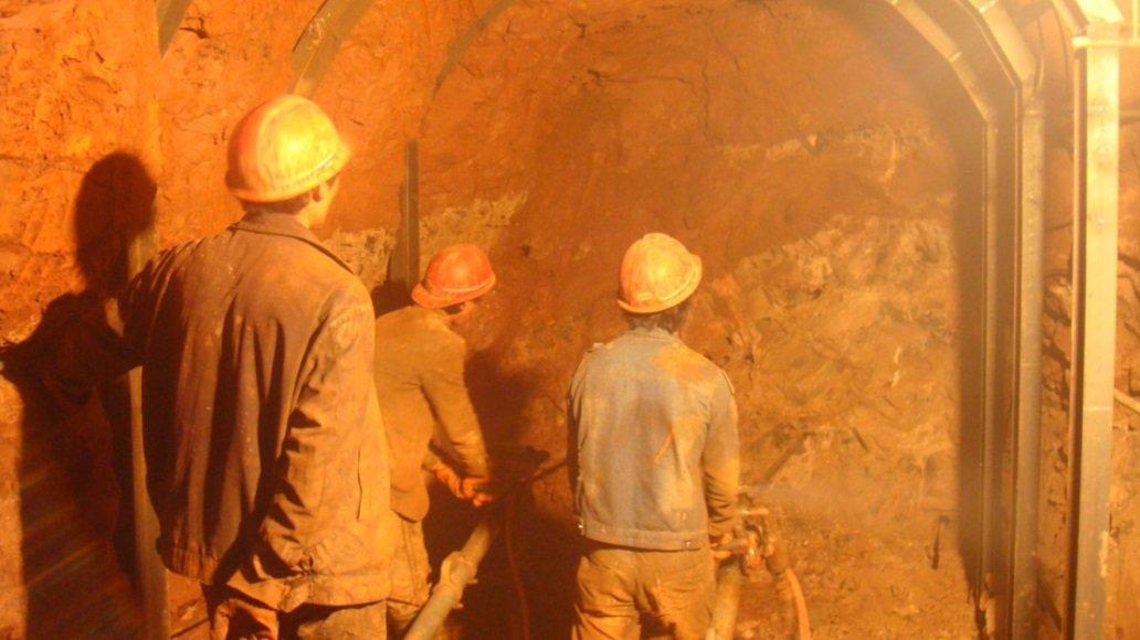 峨山县尼去本水库输水隧敞开挖施工