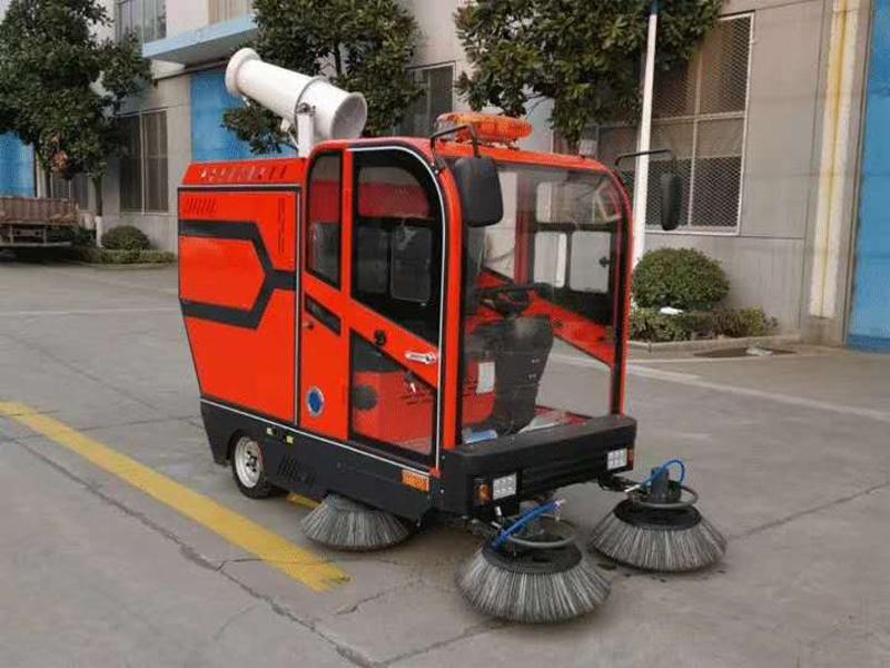 电动扫地车的软毛刷多久更换一次...