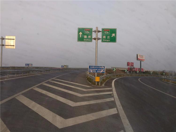 高速公路标志杆生产厂家