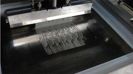 全自动锡膏印刷机钢网应该怎样开口