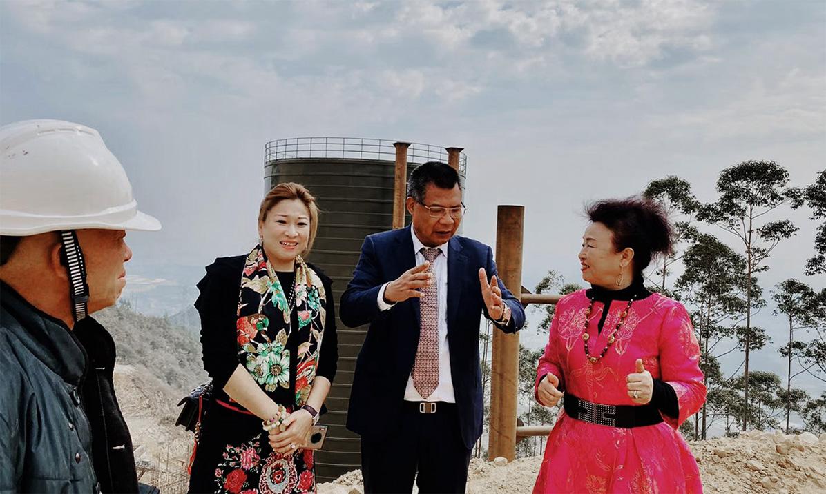 谷城董事長賴總與順達重礦集團董事長張桂蓮現場考察