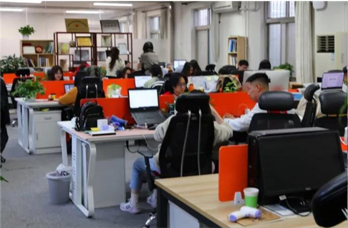 """联考中国 植根教育 与""""侨""""同行"""