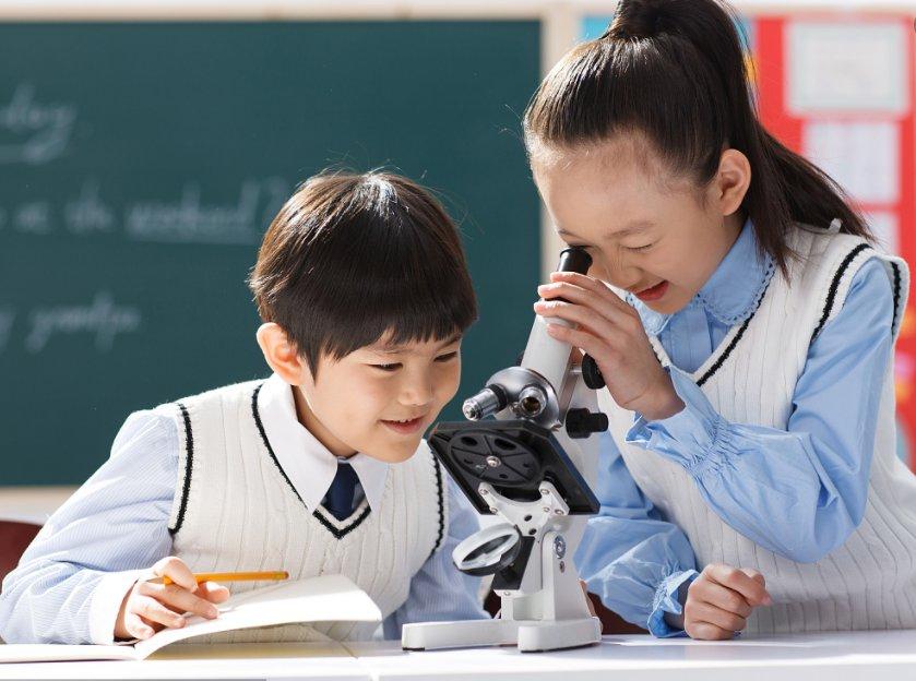 教学仪器加深学生记忆的同时提高...