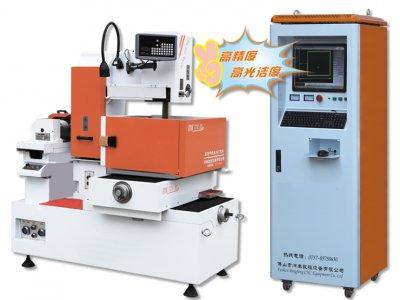DK77C-400、DK77C-550、DK77C-700 高精密精品型中走丝线切割机床