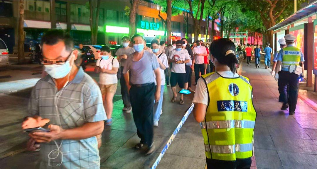 东莞义警用实际行动体现了新时代中国人的担当