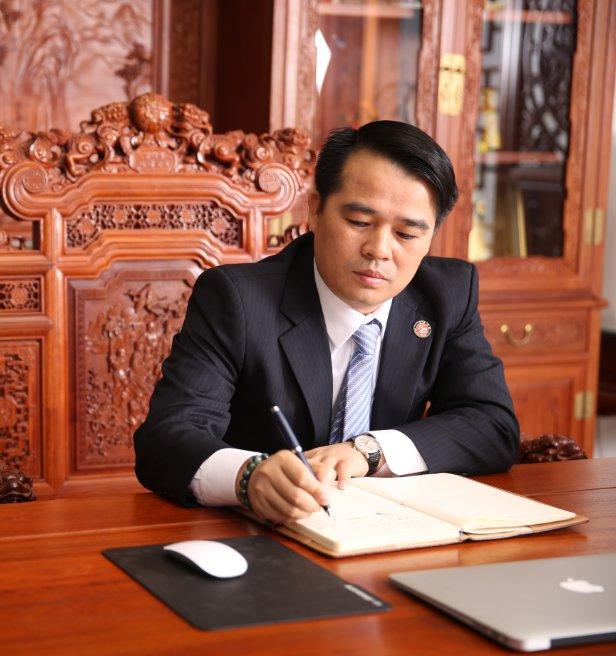 常务副会长李才群