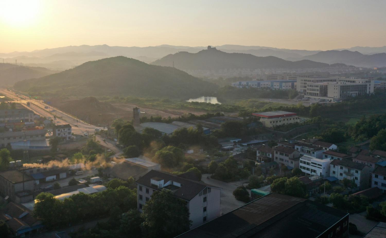 0-鸟瞰-清晨烟囱(范舟)