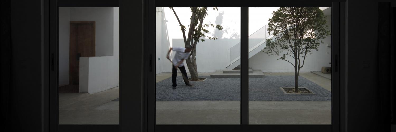 B-09-从客厅看庭院641A1613