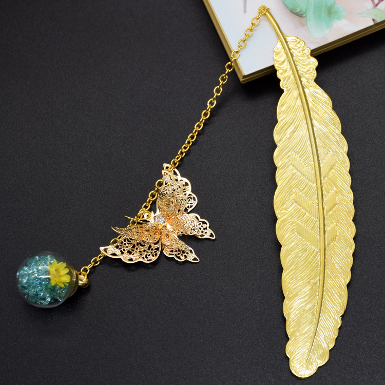 Metal Bookmarks Vintage Bookmark with Pendants for Students(Gold Butterfly Green Ball)
