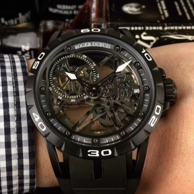 Roger Dubuis - 3ARS87