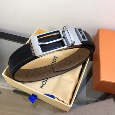 Louis Vuittion Belt - LV8756
