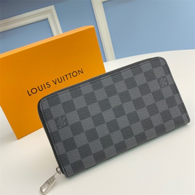N63077 - LV Black Plaid Zippy Leather Wallet