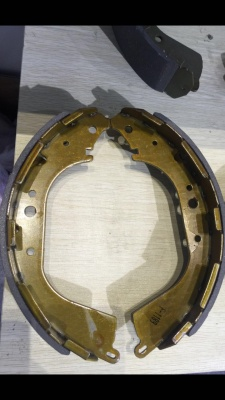 K2305  TOYOTA HIACE AND HILUX BRAKE SHOES