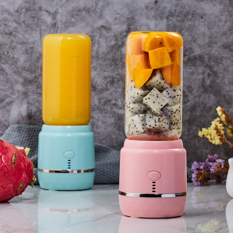 2019 New Product Mini Portable Juicer, Healthy Diet Portable Electric Juicer Blender