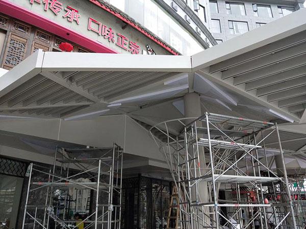 找广东东莞雕花铝单板幕墙十大品牌,这些小技巧要知道!