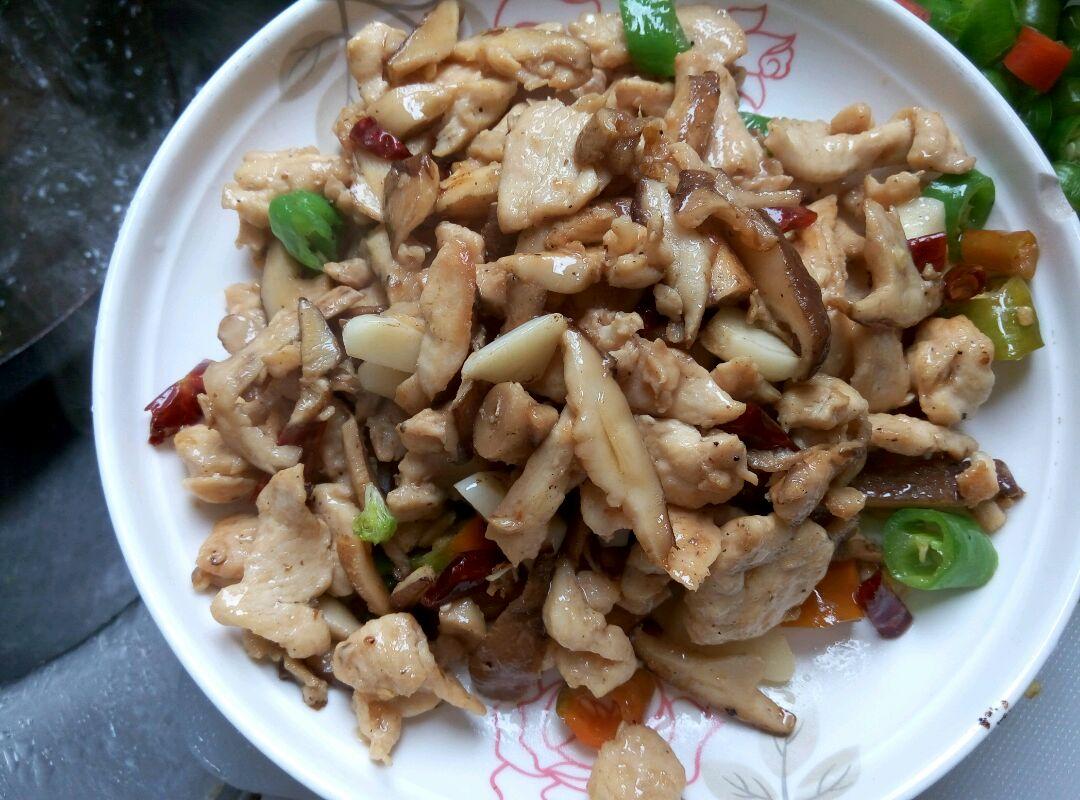 干炸香菇,总厨教你正确做法,切忌挂糊直接下锅炸,口感咸香酥脆
