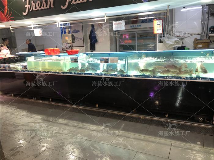 长沙海鲜鱼缸中可以放清道夫清残渣...