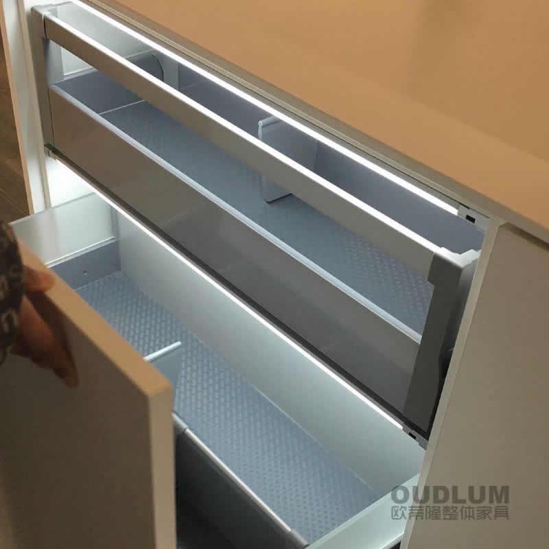橱柜衣柜柜内超薄感应控制LED光源 LAB0002