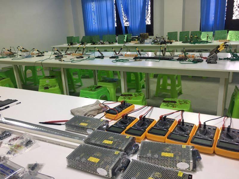 贵州航空工业技师学院白云校区,通信运营与...