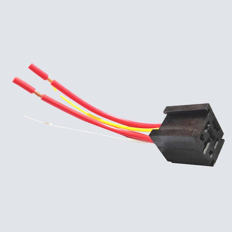 汽车继电器插座