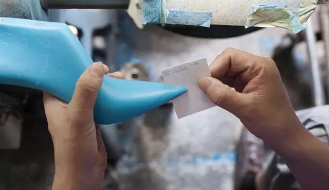 大牌鞋子舒适度原来靠它
