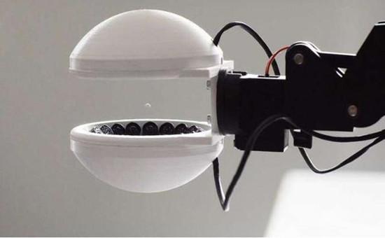 这个机器人抓手让物体能够悬浮,有...