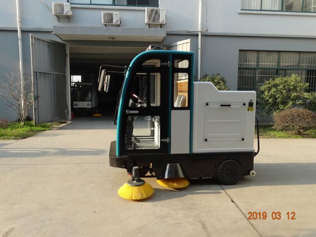 LN-2000智能式扫地机
