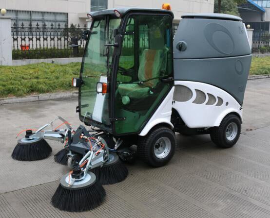 LN16DSQS柴油扫地车