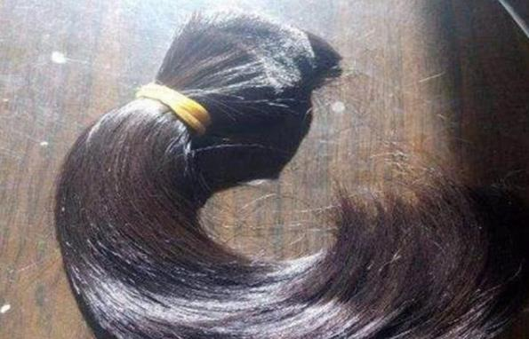 在农村收的半米长头发能值多少钱?收集头发的商贩说价格
