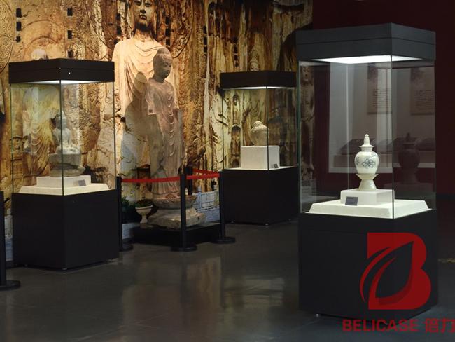 制作博物馆展柜的灯具使用和灯光应用知识