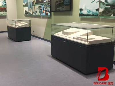 博物馆桌柜M021