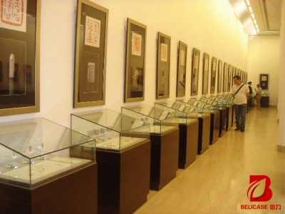 博物馆桌柜M026