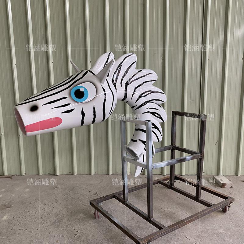 玻璃钢斑马喷嘴雕塑定做