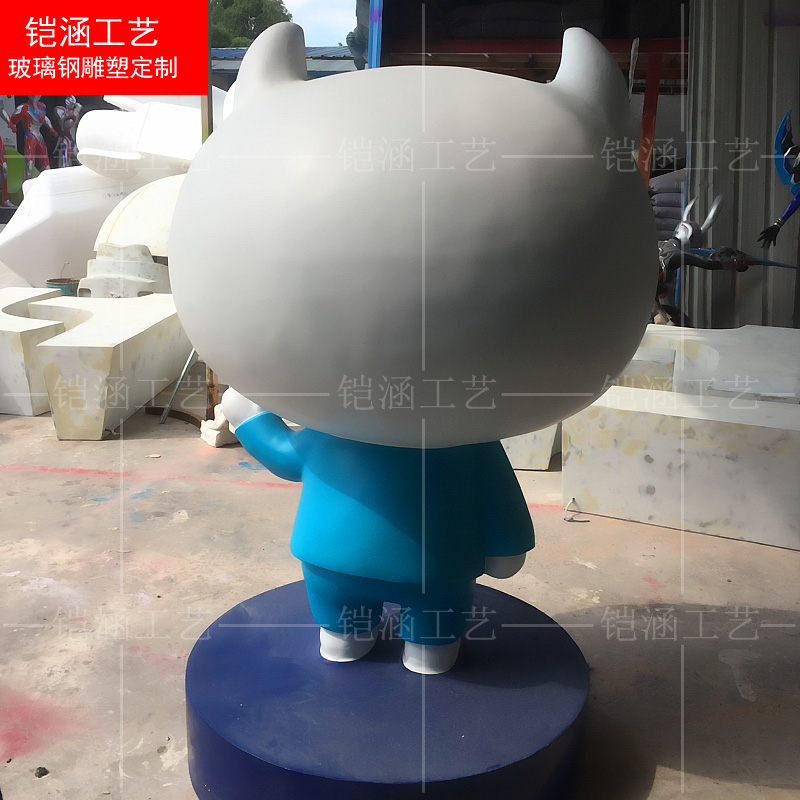 口袋兼职吉祥物:卡通猫雕塑