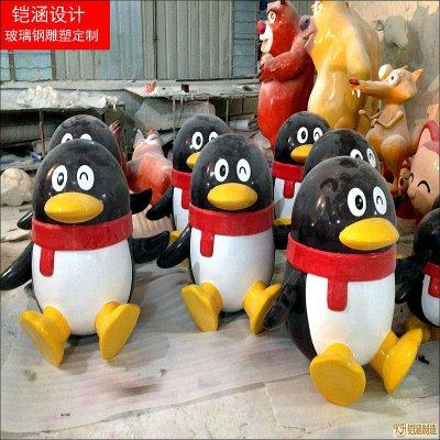 圣诞企鹅卡通雕塑
