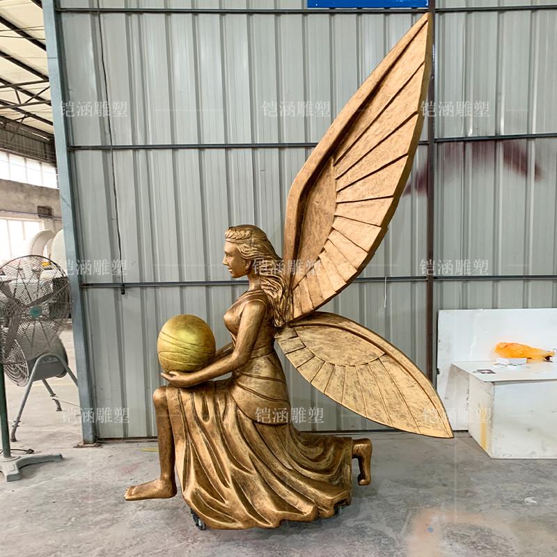 玻璃钢雕塑抱蛋天使定制
