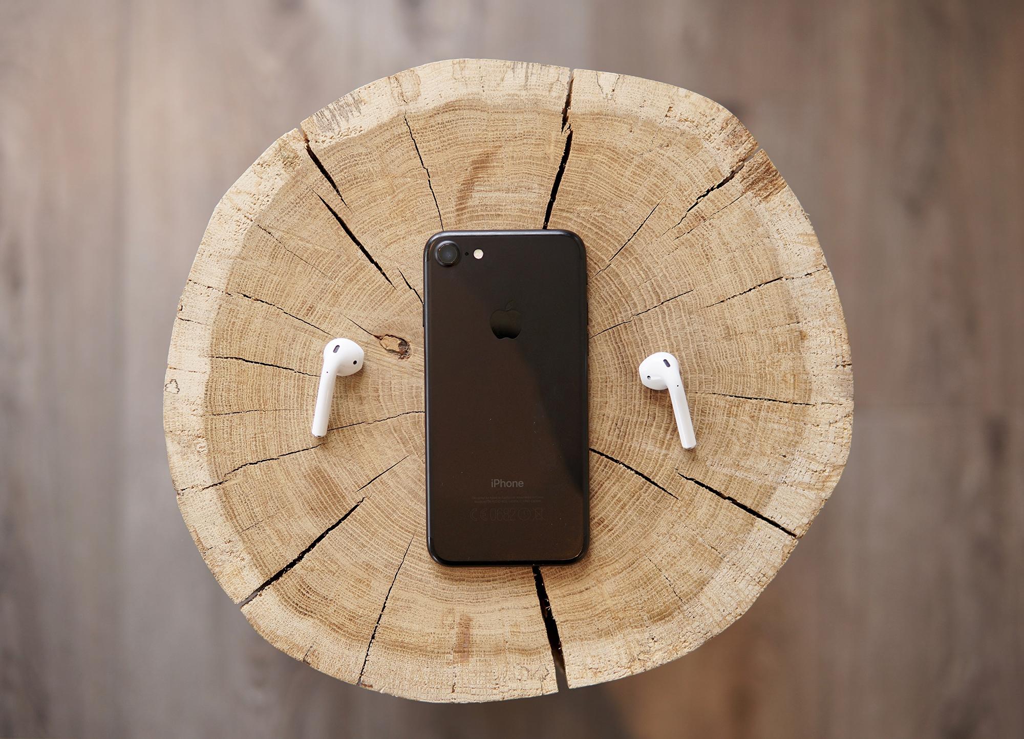 用了这么久耳机的,耳机上的两个小孔有什么...