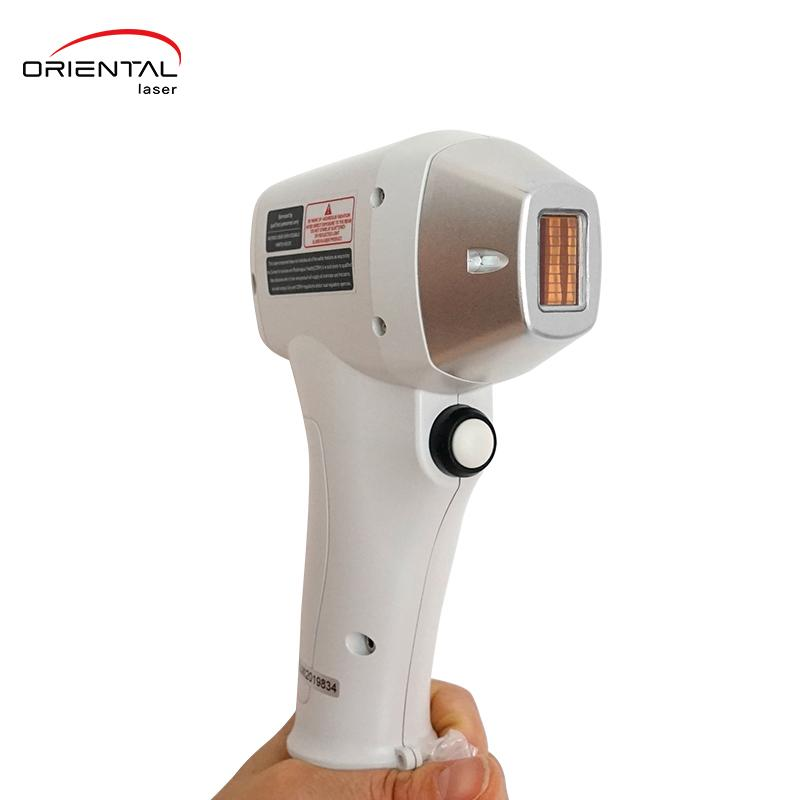 Diode laser hair removal treatment handle
