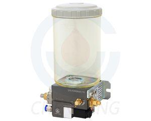 POM 型微量油气式注油机