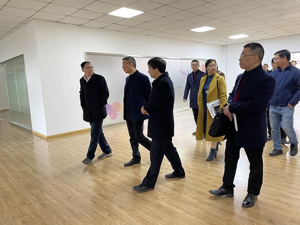 紹興濱海新區管委會領導調研鈉創新能源