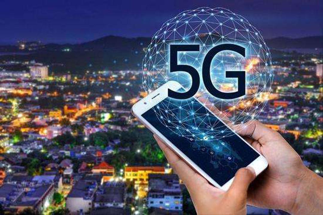 5G技术推动AGV机器人领域发展