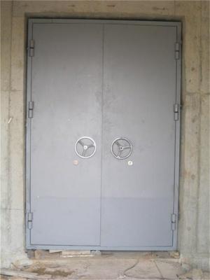 安装防火防爆门