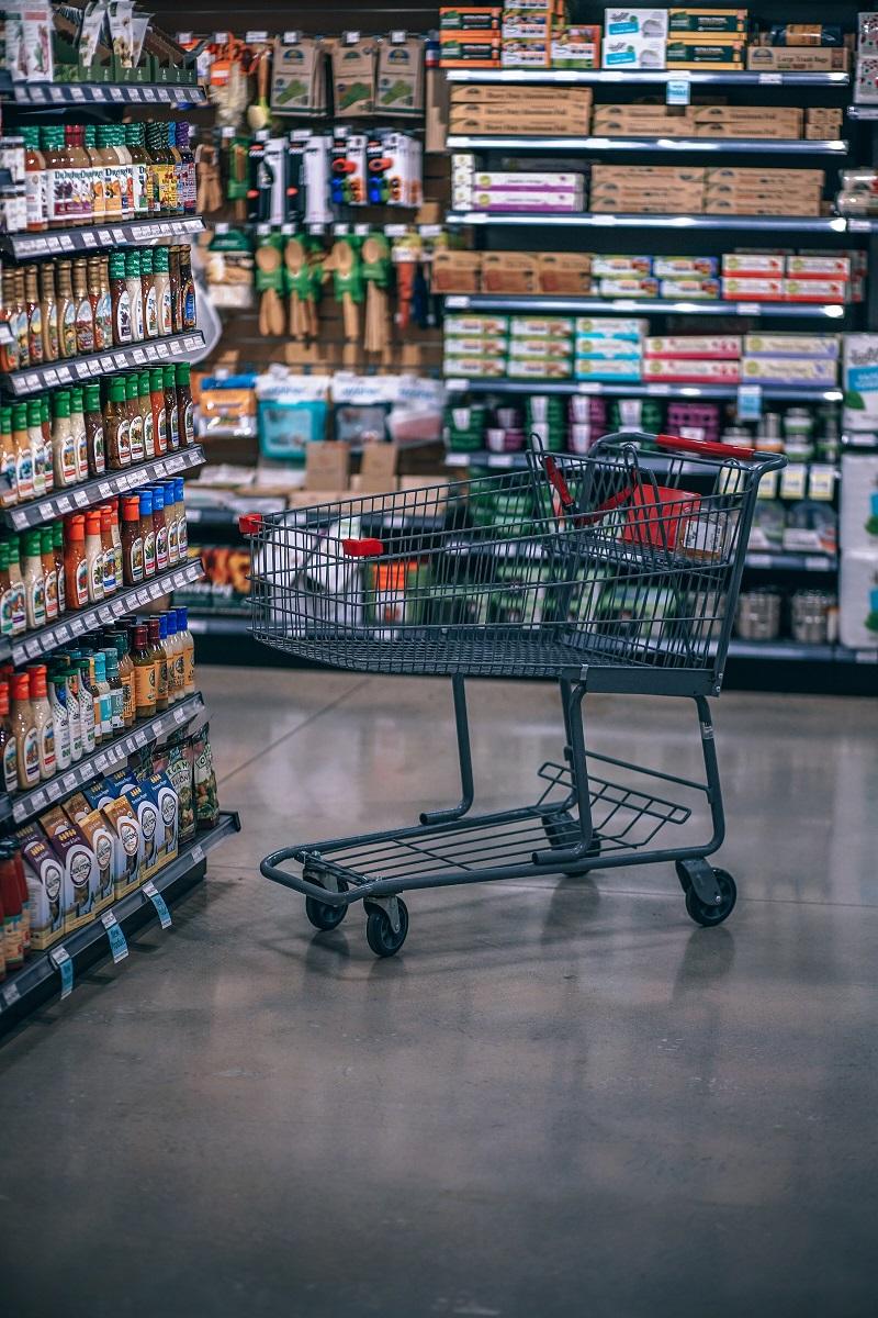超市层架自重滑道是什么?有什么作用?