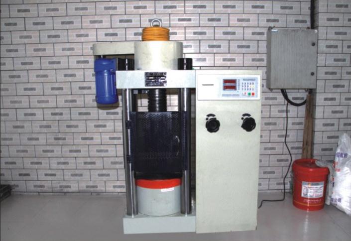 耐压试验机