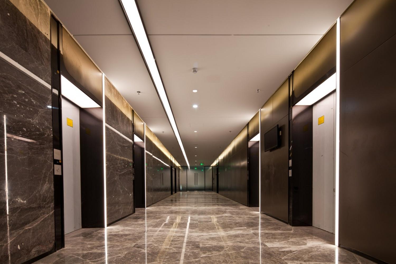新港大廈電梯廳