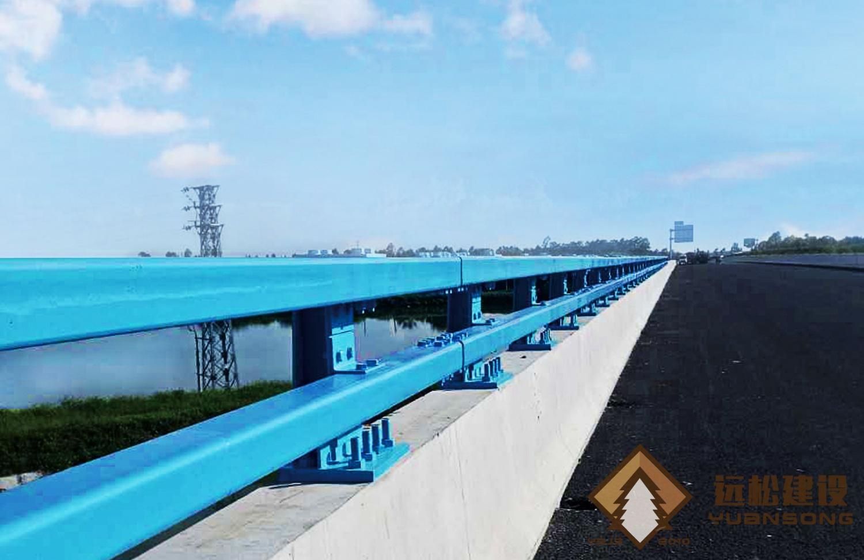 防撞护栏 (2)
